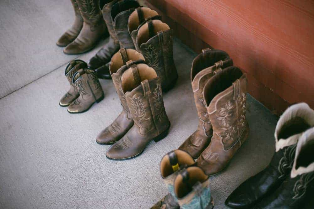 In order for cowboy boots to recover to the old style, you need to know how, and this article is the answer. There are many ways to restore cowboy boots such as proper care, dyeing cowboy boots or resoling them… Cowboy boots are very durable, you can use them for more than 10 years. Therefore, cowboy boots get old and discolored… is something unavoidable. That's when you need to take action! Let's revive your cowboy boots, here's how to restore cowboy boots!