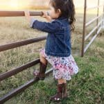 Your darling has just taken the first steps of his/her life, congratulate you and your kid! To celebrate this precious moment, you decide to buy your sweetie a pair of cowboy boots. This is such a great decision! But how to choose a good pair of cowboy boots for your kid? No more words, we'll walk you through all the way to get a great pair for your sweetie. Shall we?