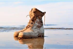 Tactical boots can be divided into two main categories: wet and hot weather tactical boots. You will find tactical boots for wet weather that are mostly waterproof. Wet weather tactical boots are usually jungle boots, winter boots, or boots for extreme conditions. In addition to their waterproof ability, wet weather tactical boots often come with some wonderful features such as good anti-slip outsoles, heat insulation, quick dry and sometimes anti odor. These ensure the wearer's feet are always dry and comfortable. Waterproof tactical boots are often used for outdoor activities such as hiking, mountain climbing, or jobs such as long patrol shifts by police …