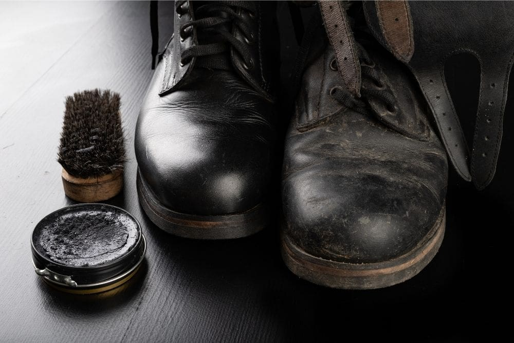 """Unlike nylon fabric tactical boots, leather tactical boots all take a lot of effort and time to care for. For leather tactical boots, just cleaning isn't enough, adding a little conditioner to the leather surface will make your boots last longer, more comfortable and powerful. Conditioning leather tactical boots is an important step. It is the deciding factor to make leather tactical boots soft, flexible, durable, retain or restore the original color. Besides, some leather tactical boots are not waterproof, or have lost their waterproof ability after a period of use, a conditioner can restore that ability. In addition to making leather tactical boots waterproof, the conditioner also keeps tactical boots against dirt, mud … So the conditioner is one of the """"must-have"""" products if you are a lover of leather boots. Do you know how to condition tactical leather boots? What is the best leather conditioner for leather tactical boots? This article is the answer for you!"""