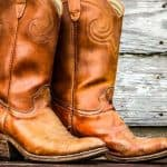 Taking care of a cowboy boot is never easy, because: First: They are made entirely of leather (or suede). Without proper care, cowboy boots can dry and crack, deteriorate rapidly. Second: Preserving cowboy boots is also not easy. With a height of 11 inches to 14 inches, you need to know how to care for cowboy boots properly, otherwise they will get scuffed, break, lose shape, affect the leather material. For that reason, today I will tell you how to keep cowboy boots in shape. Since then, your cowboy boots will look good, not break or look sloppy.