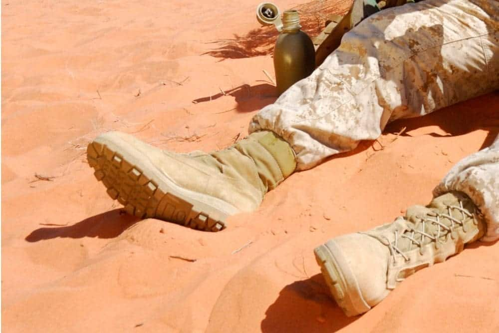 Choosing a pair of tactical boots isn't difficult as there are thousands of tactical boots in the world. But, picking a pair of tactical boots that really suits the job requirements, different terrain, weather… is tough! What are the criteria of a pair of tactical boots for use in the desert? Here are some important things you need to pay attention to when finding the best desert tactical boots! Shall we?