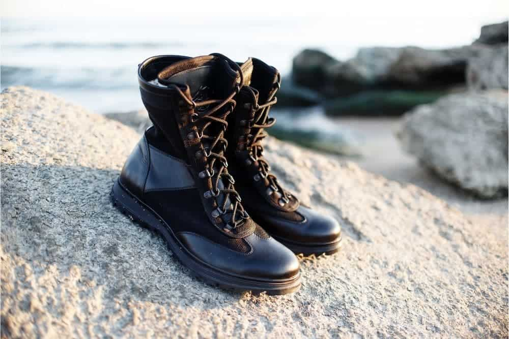 If you ever asked any American soldier who fought in the US war throughout history since the 1960s, they would be no stranger to Bates military boots. For decades, Bates was seen as one of the biggest manufacturers of military footwear to the DoD, the U.S government, and law enforcement domestically and internationally. Over the times, Bates Footwear has been not just all about military boots. They cover many other aspects that require to make exclusive all-purpose tactical boots, which are something more than standard ordinary boots or just for military duty. This is what they call modern tactical boots that can handle multiple demanding applications such as long-train runs, safety footwear for work, military applications, and tactical operations. This boot line is far inventive in delivering the wearer the best lightweight and foot support feels while still properly meets the same old protective and finest military footwear standards. They have developed over 10 outstanding features for their modern tactical boots to give the wearer the best foot support, high-performance durability, excellent protection, and great comfortability. If this more than 130-year-old brand still leaves you some room for doubt, we'll give you some genuine reviews below to see why they still hold the crown.