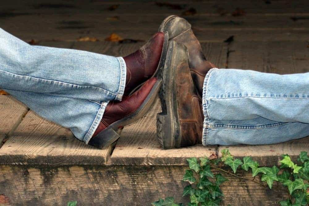 How to keep your feet warm in cowboy boots?