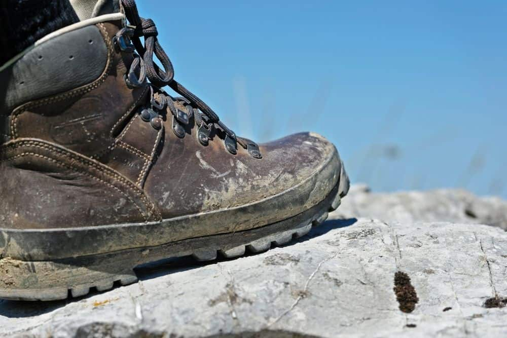 durable hiking boots for running on rocky terrain