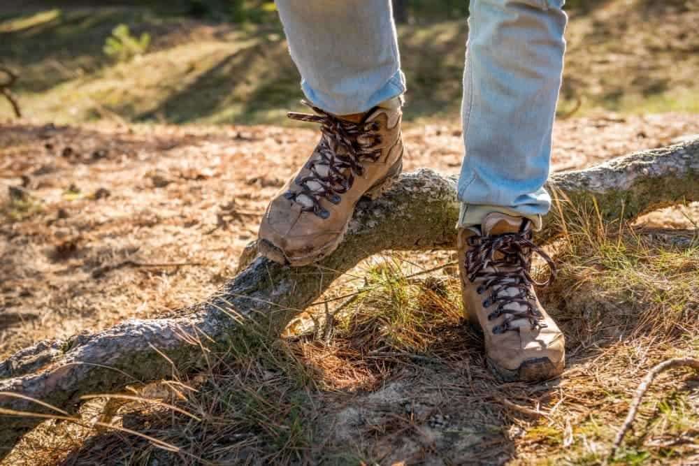 feet keep sliding in hiking boots
