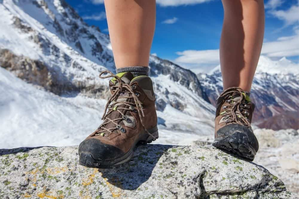 insulated hiking boots cause heat on your feet