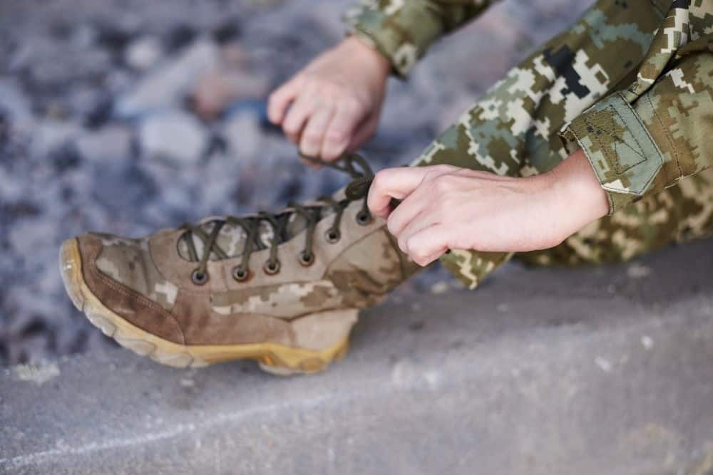 lacing system of military boots