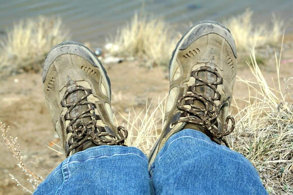 light colored hiking boots get dirty easily