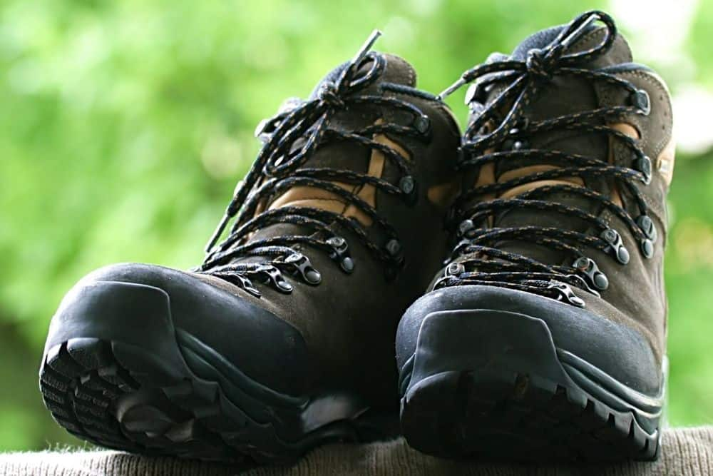 toe caps of hiking boots increase the weight
