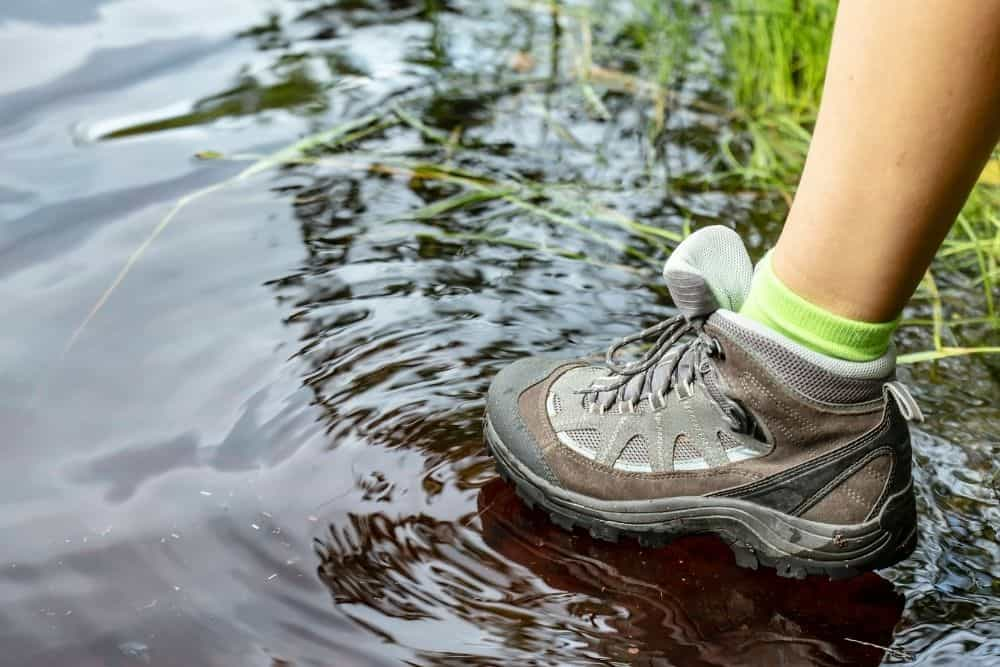 water resistant hiking boots for walking